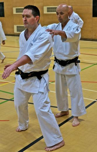 Sugasawa Sesnei corrects Steve Thain on his Seishan.