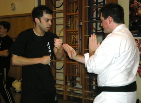 2008 - Joint seminar between Shikukai Chelmsford students and the UK Wing Chun Association. Practice of control & counter.
